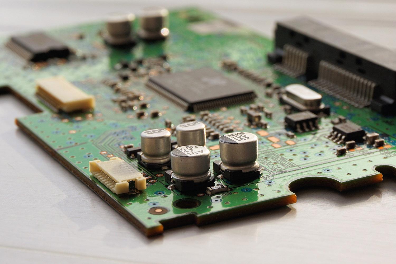 Hardware and software Solutions vicenza, programmazione impianti elettrici e collaudi